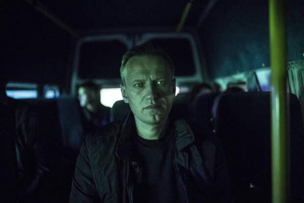 Взрывоопасный фаталити: навальнист из Питера обещает взять на митинг гранату