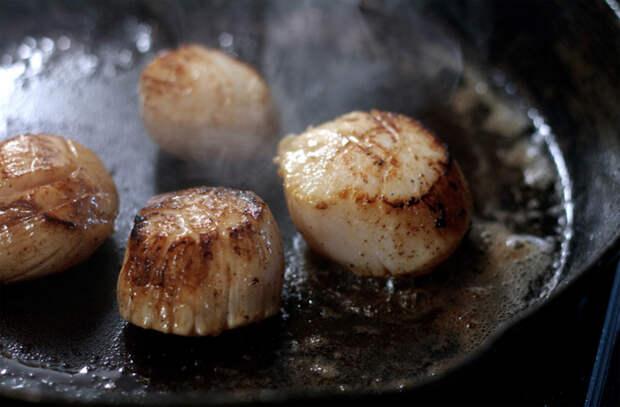 Ошибки использования сливочного масла на кухне: на сковороду кладем не в начале, а в конце готовки