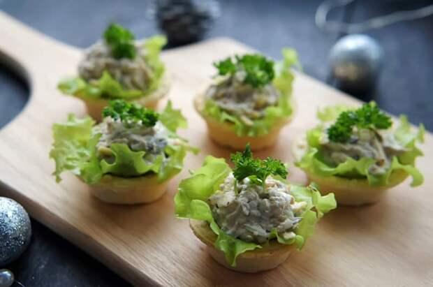 Тарталетки с тунцом