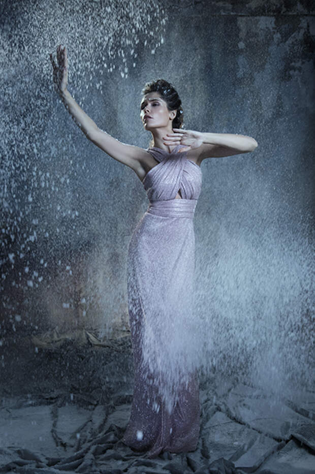 Модный дайджест: от кампаний с Дженнифер Лопес и Дарьей Мороз до возвращения Balenciaga в кутюр