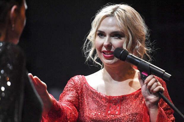 Пелагея стала заслуженной артисткой России