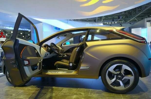 АвтоВАЗ отзывает в России более 7 тысяч автомобилей Lada Xray из-за проблем с подвеской