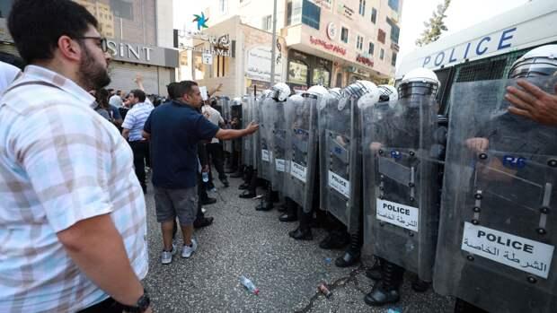 Гибель арестованного критика главы Палестины привела к беспорядкам