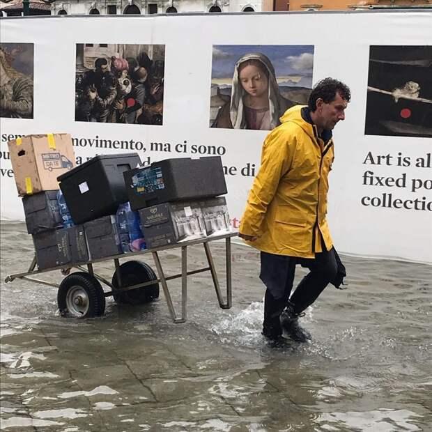 16 фото Венеции, которую затопило. Это самое сильное наводнение за 50 лет