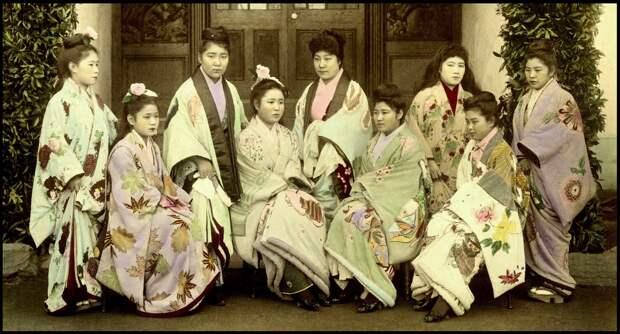 1892-1895. Проститутки Борделя №9 в Канагаве