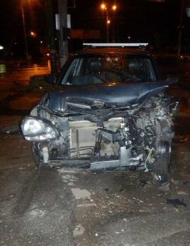 В Луганске на ул. Буденного произошло лобовое столкновение двух автомобилей