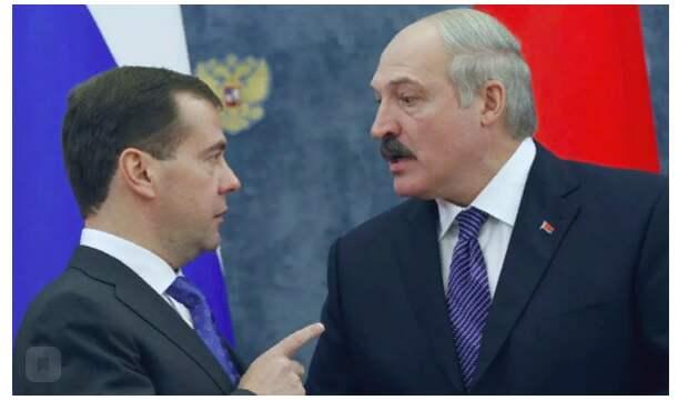 Почему Лукашенко стал оправдываться перед Медведевым