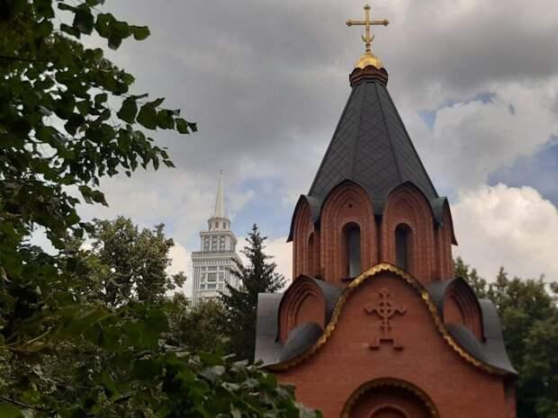 Гармония островерхих крыш. Фото: Дмитрий Дунько