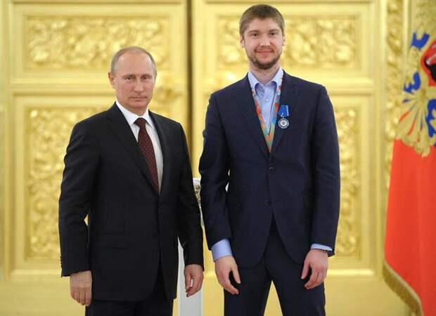 Бобровский поддержал Панарина после нашумевшего интервью оПутине: «Счем-то ясогласен»
