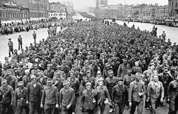Как пленных немцев водили по Москве