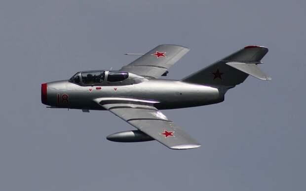 «Советские МиГи истерзали американский авиаполк»: годовщина позора ВВС США