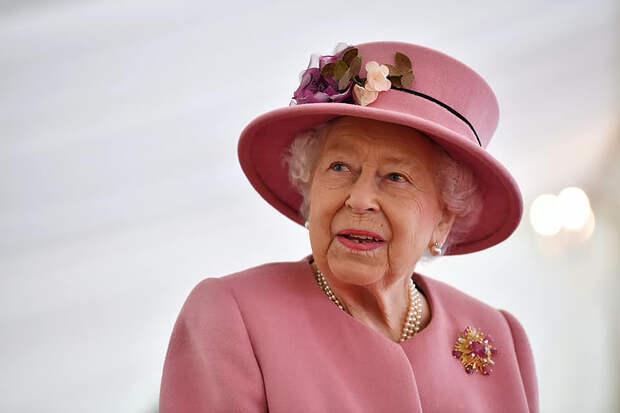 Королева Великобритании поблагодарила людей за поддержку