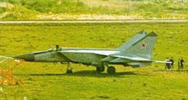МиГ-25 в Хакодате