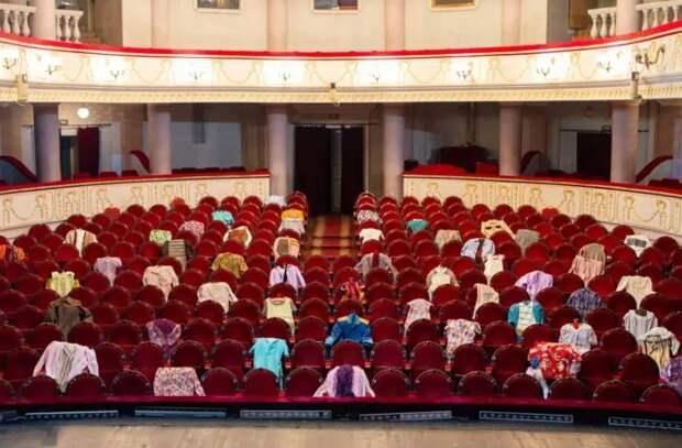 Актеры требуют открытия театров