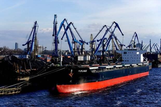 Рижский порт подсчитывает убытки от потери российского транзита