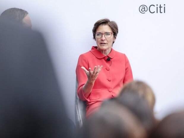 """Впервые в истории один из """"мега-банков"""" США возглавит женщина"""