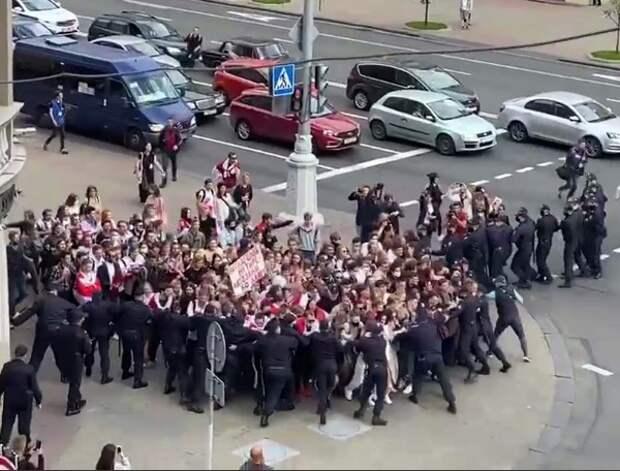 Протестовать против Лукашенко вышли студенты