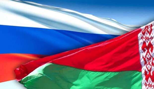 Белоруссии пора объединяться с Россией против общего врага – Журавко