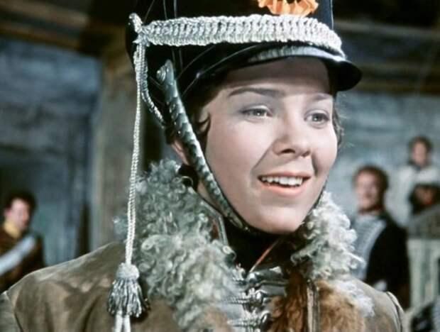 Какой на самом деле была женщина-кавалерист, ставшая прототипом героини «Гусарской баллады»
