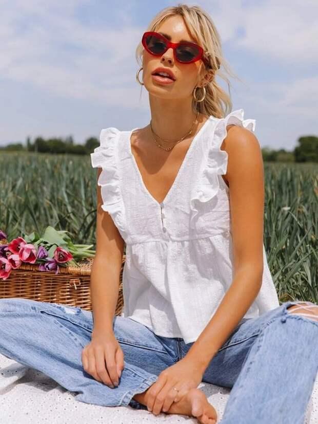 Белый летний топ – изюминка образа, от которой все в восторге