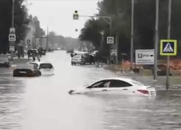 Дорогу к аэропорту Шереметьево затопило