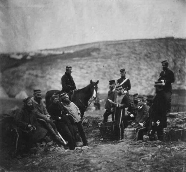 Солдаты и офицеры 8-го гусарского полка Русской императорской армии