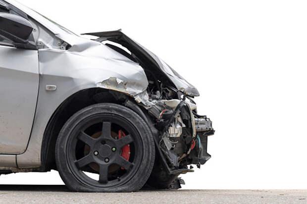 Водитель «Тойоты» пострадал в аварии на Коровинке