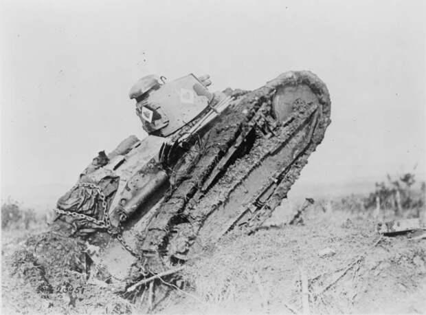 «Лоханки» на поле боя – бронетехника Первой мировой