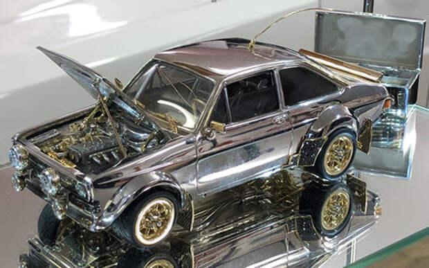 Золото, бриллианты, сапфиры, рубины! Моделька Форда дороже оригинала!
