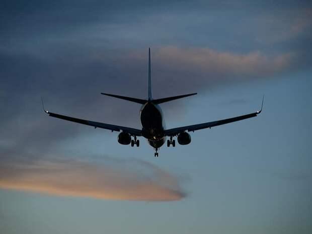 Почему в аэропортах России подорожало топливо?