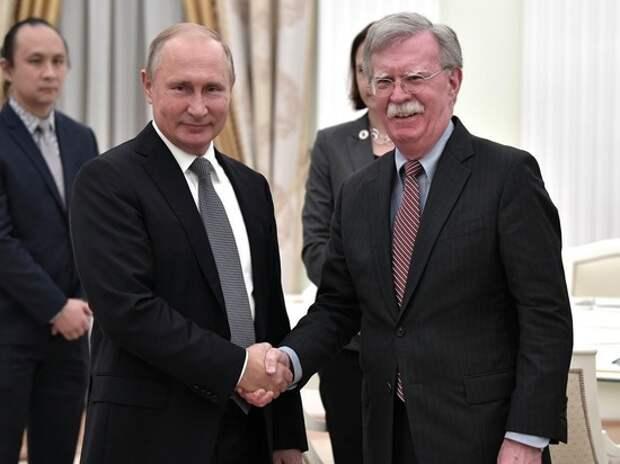 Эксперт отсоветовал Путину ехать в Вашингтон: