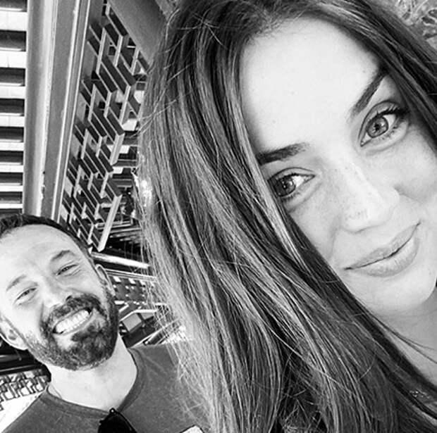 Ана де Армас и Бен Аффлек спровоцировали слухи о расставании и помолвке