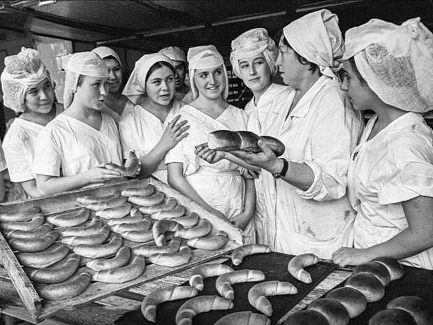 В СССР такой экономии не было, все делали на совесть, чтобы люди ели вкусные булки и хлеб / Фото: Twitter