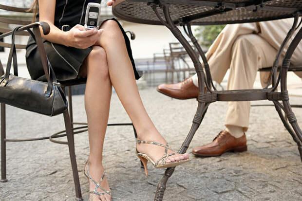 Пять причин, почему опасно сидеть нога наногу