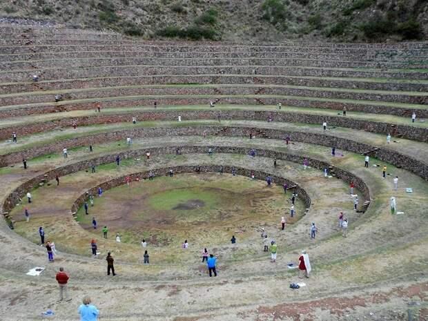 Террасы Морай: древний селекционный центр Империи инков