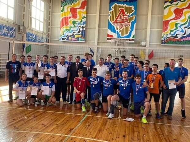 Команда волейболистов Уфимского техникума железнодорожного транспорта заняла 1 место среди СПО Республики Башкортостан