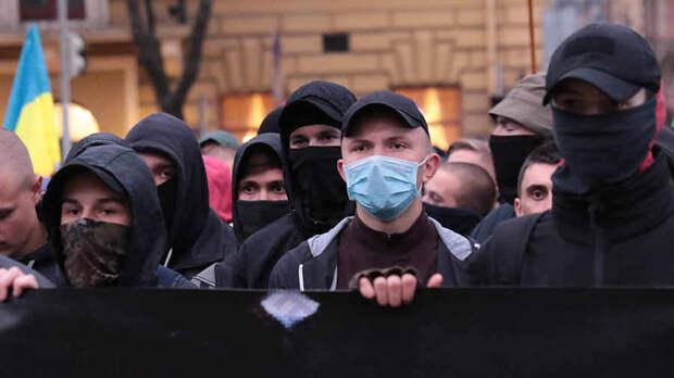 Зеленский делает из Украины фашистское государство