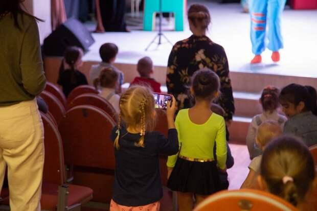 В ДК «Берендей» в День города споют песни о Москве