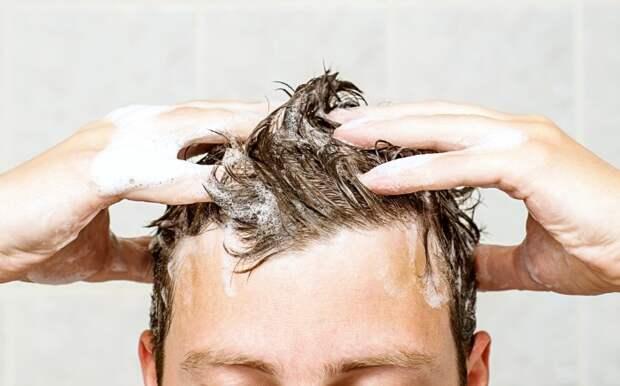 Хозяйственное мыло избавляет волосы от излишней жирности / Фото: i.thehealthypost.com