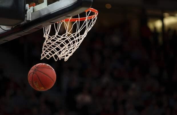 Ремонт школьных спортзалов в Удмуртии и предложение руки и сердца российской баскетболистке: что произошло минувшей ночью