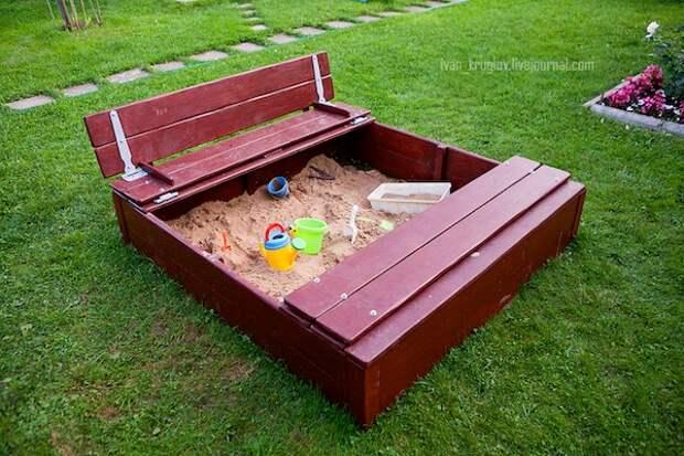 Песочница для детей на даче своими руками