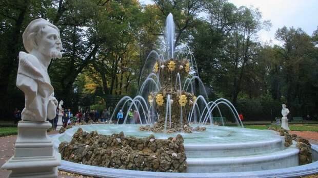 Стало известно, когда в Петербурге начнут отключать фонтаны