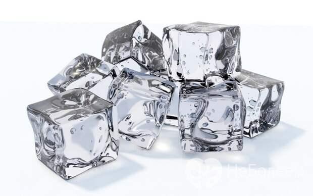 Лед – одно из народных средств от герпеса на губах