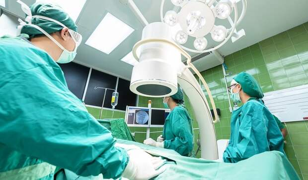 Хирурги Нижневартовска вырезали огромную опухоль умладенца