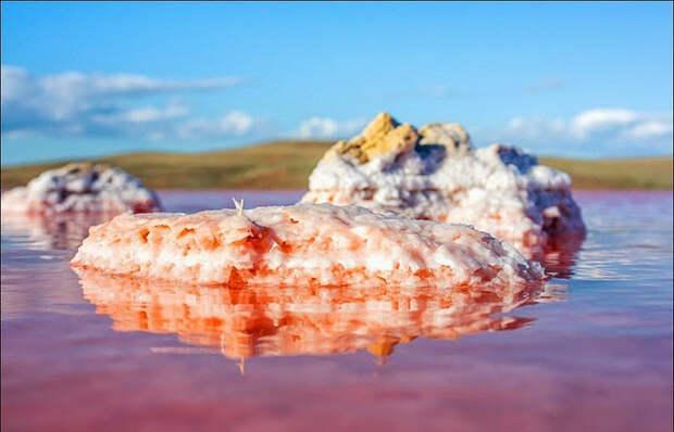 Залив Сиваш образовался между Крымским полуостровом и Арабатской косой. Фото: Сергей Анашкевич.