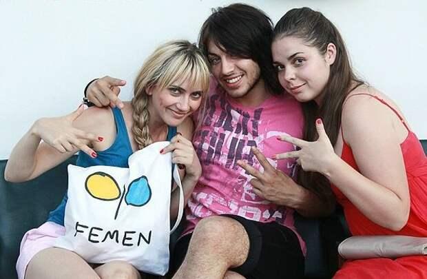 Сбежал, чтобы выжить: участник «Femen» указал пальцем на убийц Павла Шеремета