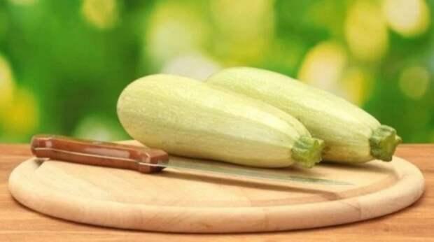 Попался новый рецепт из кабачков: вкуснее, чем оладьи, только проще и жарить не нужно (делюсь)
