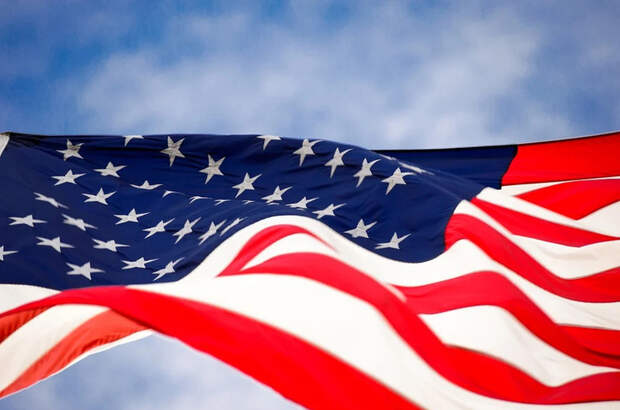 США сокращают штат посольства и консульств в России