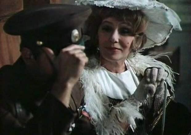 Острохарактерная актриса Елена Вольска и ее роли.