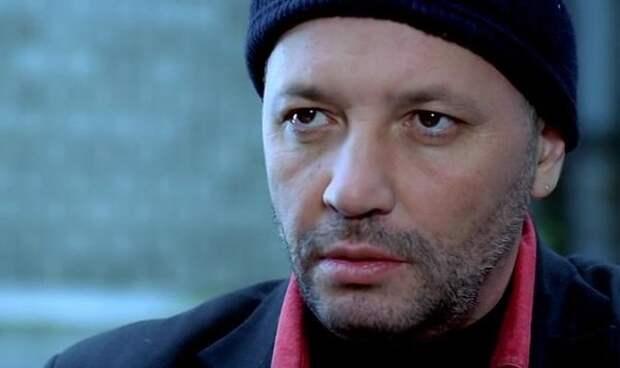 Андрей Васильев в фильме «Даун Хаус» (2001) (https://www.kino-teatr.ru)